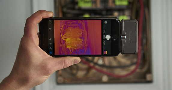 Meterlend-modul-termal-camera-termoviziune-pentru-telefon-mobil-FLIR-One-Pro-generatia-III-FLIR-Systems-06.jpg